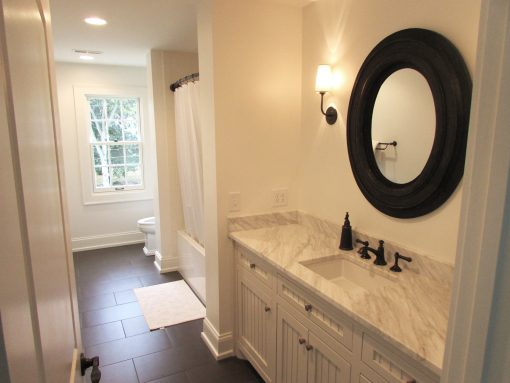 Mighty Oak Builders/Bathrooms